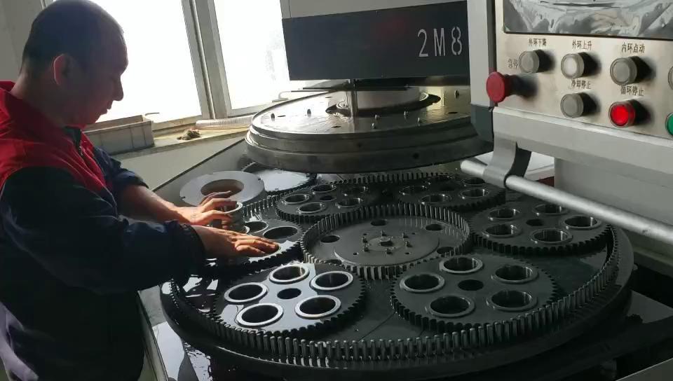 双端面研磨机试机视频