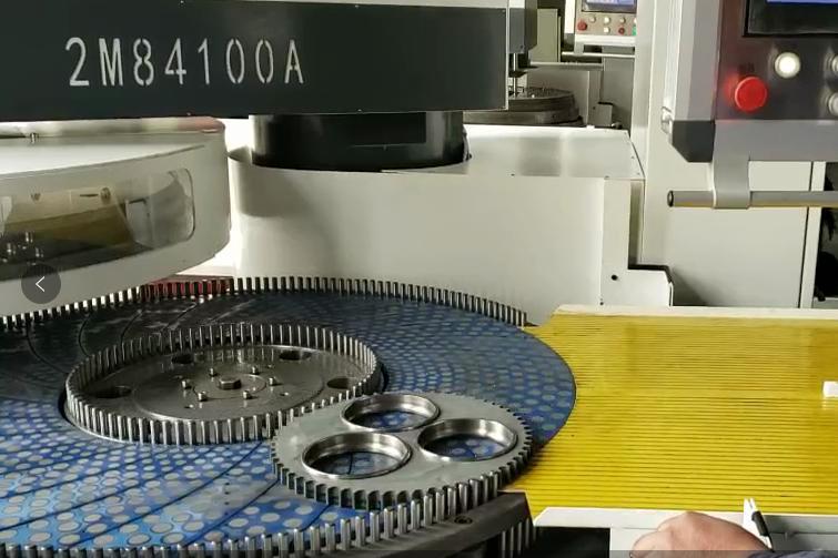 一项油泵盖板双端面研磨装置